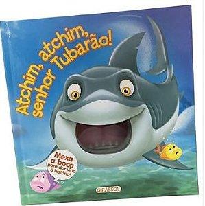 Atchim, atchim, senhor Tubarão! Mexa a boca para dar vida à história!