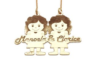 Gargantilha 2 Meninas Personalizadas Manoela e Clarice em Prata com Banho de Ouro VD 137