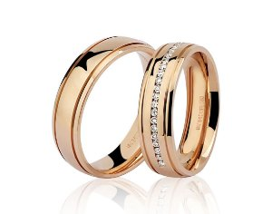Aliança Ouro Rosê 18k Anatômica com Dois Frisos e Diamantes Ref 76.0199.3020