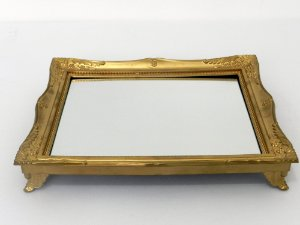 Bandeja quadro dourada