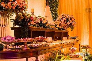 Arranjos Florais para mesa de doces