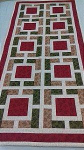 Trilho de mesa feito à mão em Patchwork