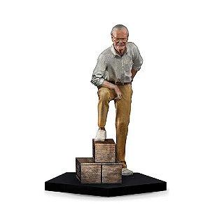 Stan Lee (Regular) - 1/10 Art Scale - Iron Studios