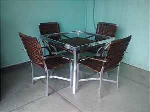 jogo de mesa quadrada com cadeiras salinas