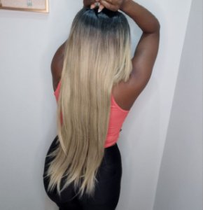 Peruca wig Tissy ombre loira  (fibra futura)