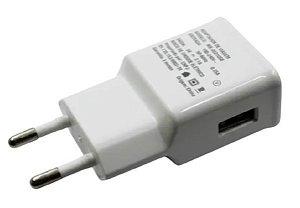 CARREGADOR DE TOMADA - USB 5V/2.1A BRANCO OEM