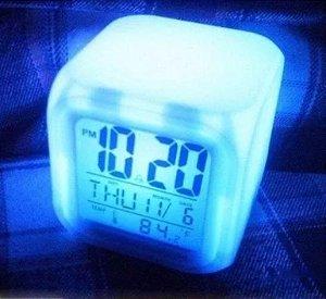 Relógio Cubo Mágico de Led 7 Cores