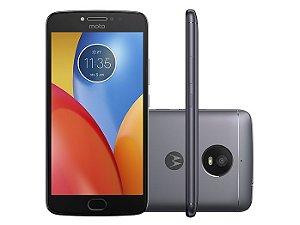 Smartphone Motorola Moto E Plus XT1773, Android 7.1, Dual chip, Processador Quad Core 1.3 GHz, Câmera traseira 13MP e frontal de 5MP, Tela 5.5'', Memória interna 16GB expansível até 128 GB, 4G Titanium Sim