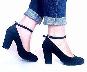 SL1015 - Scarpin preto nobuk com tornozeleira