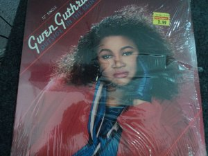 GWEN GUTHRIE - OUTSIDE IN THE RAIN LACRADO