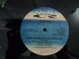 ATLANTIS - KEEP ON MOVIN AND GROOVIN
