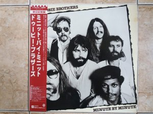 THE DOOBIE BROTHERS - MINUTE BY MINUTE ( INCLUINDO WHAT A FOOL BELIEVES ) LP JAPONÊS (MA)