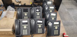 Kit Com 8x Telefone Ip Avaya Composto Por 4x 9620 + 4x 9611g