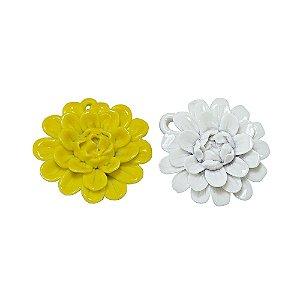 11-0135 - Pacote com 10 Pingentes de Porcelana Flor com Pétalas 48mm