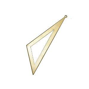 01-2134 - Pacote com 1/2 Kg de Pingente em Latão Triangular 66mmx28mmx49mm