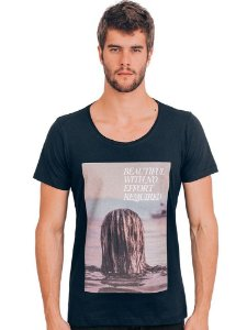 Camiseta Menina do Mar