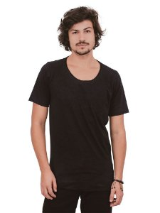 Camiseta Preta Basic Style Gola Cavada