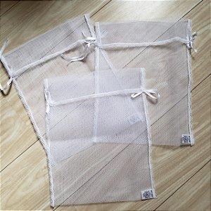 Kit com 3 saquinhos de maternidade em filó