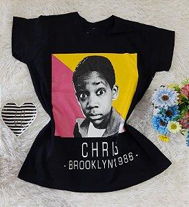 T-Shirt Feminina  Chris Fundo Preto