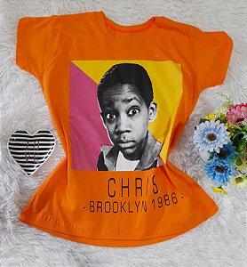 T-Shirt Feminina  Chris Fundo Laranja