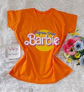 T-Shirt Feminina Barbie Fundo Laranja