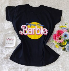 T-Shirt Feminina Barbie Fundo Preto