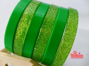 Conjunto de Pulseiras c6. Coleção Fita Flor Acessórios. Verde com Glitter