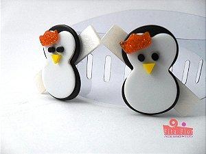 Bico de Pato (Par) Coleção Bichinhos Fita Flor Acessórios. Pinguim (Base Perolado, Laço Laranja Glitter)