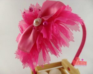 Tiara (Arco) Coleção Tecido Fita Flor Acessórios. Rosa Pink Detalhe Central (Perolado e Pink)