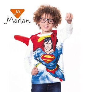 Camiseta Superman com capa por Marlan