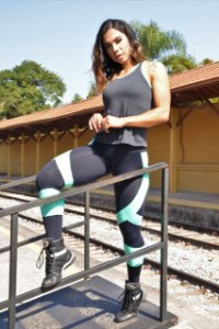Conjunto Cross Training com Regata Tiras