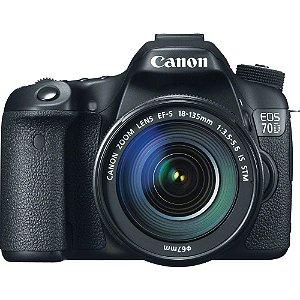 CÂMERA CANON EOS 70D LENTE 18-135mm + CAPA, TRIPÉ E SD 64GB