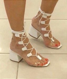 Sandália Transparente com Branco