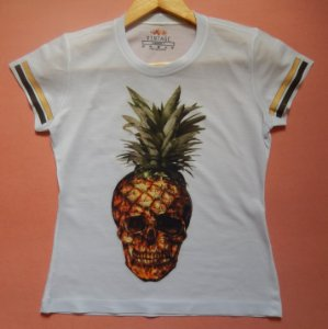 T-shirt Estampada Caveira Abacaxi