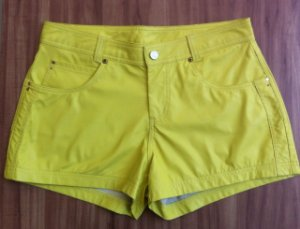 SHORTS COLOR COURINO MORENA ROSA