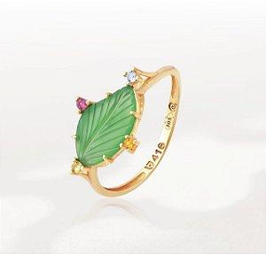 Anel coleção Lis em Ouro 10K, Ágata verde natural esculpida e zircônias (ref A2.23.136)