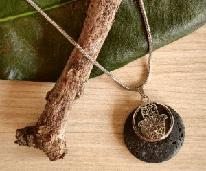 Colar Difusor Amuleto - Pedra Vulcânica
