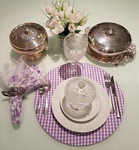 Capa de tecido para sousplat xadrez grosso lilas com branco