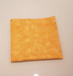 Guardanapo amarelo mesclado com amarelo alaranjado