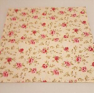 Guardanapo algodão fundo creme com rosas e flores 0,42 cm