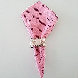 Guardanapo fundo rosa claro com bolinhas preta