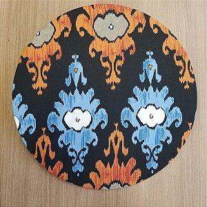 Capa de tecido decoração mosaico fundo preto desenhos marrom azul