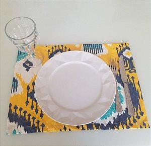 Lugar Americano tecido decoração 45cm por 33cm fundo amarelo mosaico azul