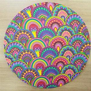 Capa Sousplat tecido algodão mosaico rabo de pavão amarelo roxo verde colorido
