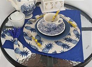 Capa de tecido abacaxi azul fundo branco