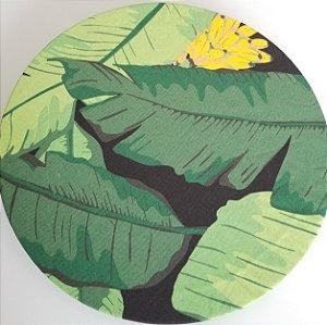 Capa de tecido banana fundo preto com folhas