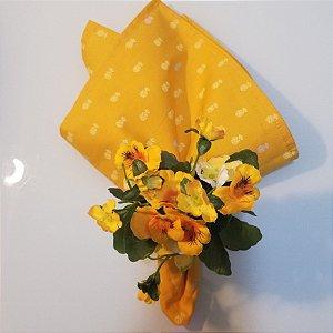 Guardanapo abacaxi pequeno cinza e amarelo fundo amarelo