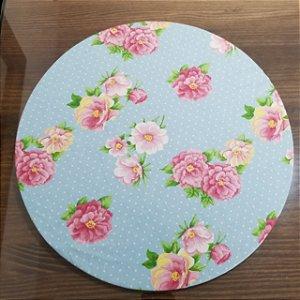 Capa de tecido fundo azul com bolinhas brancas rosas grandes agrupadas
