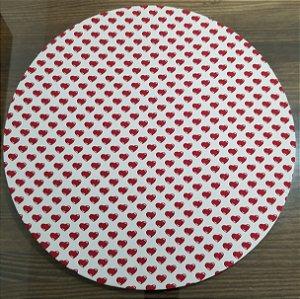 Capa de tecido coraçoes vermelho com  fundo branco