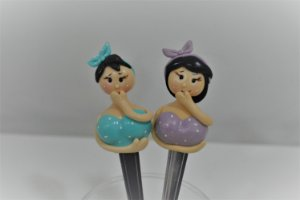 Kit 2 colher de sobremesa  duas bonecas